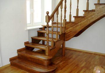 Деревянные лестницы: в чем преимущества и особенности таких конструкций?