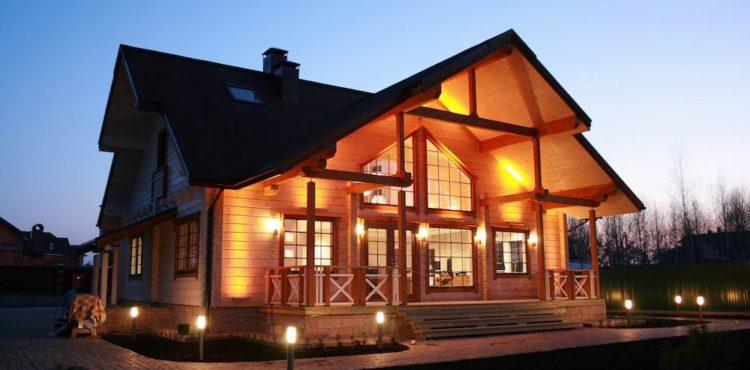 Постройка дома из деревянного бруса: сколько возводить этажей?