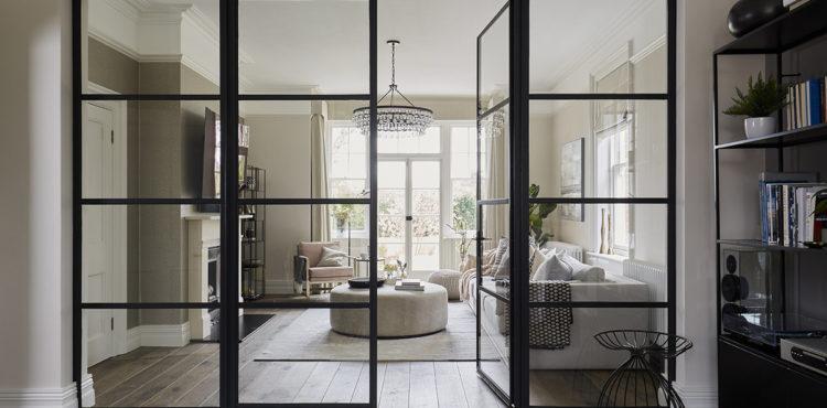 Перегородки из стекла – современное и оригинальное решение в оформлении пространства жилого помещения